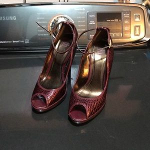 Dollhouse Burgundy High Heels size 8 1/2
